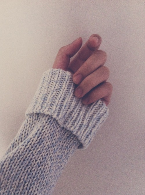 impulsiveteens:   sweater season, warm and cozy~