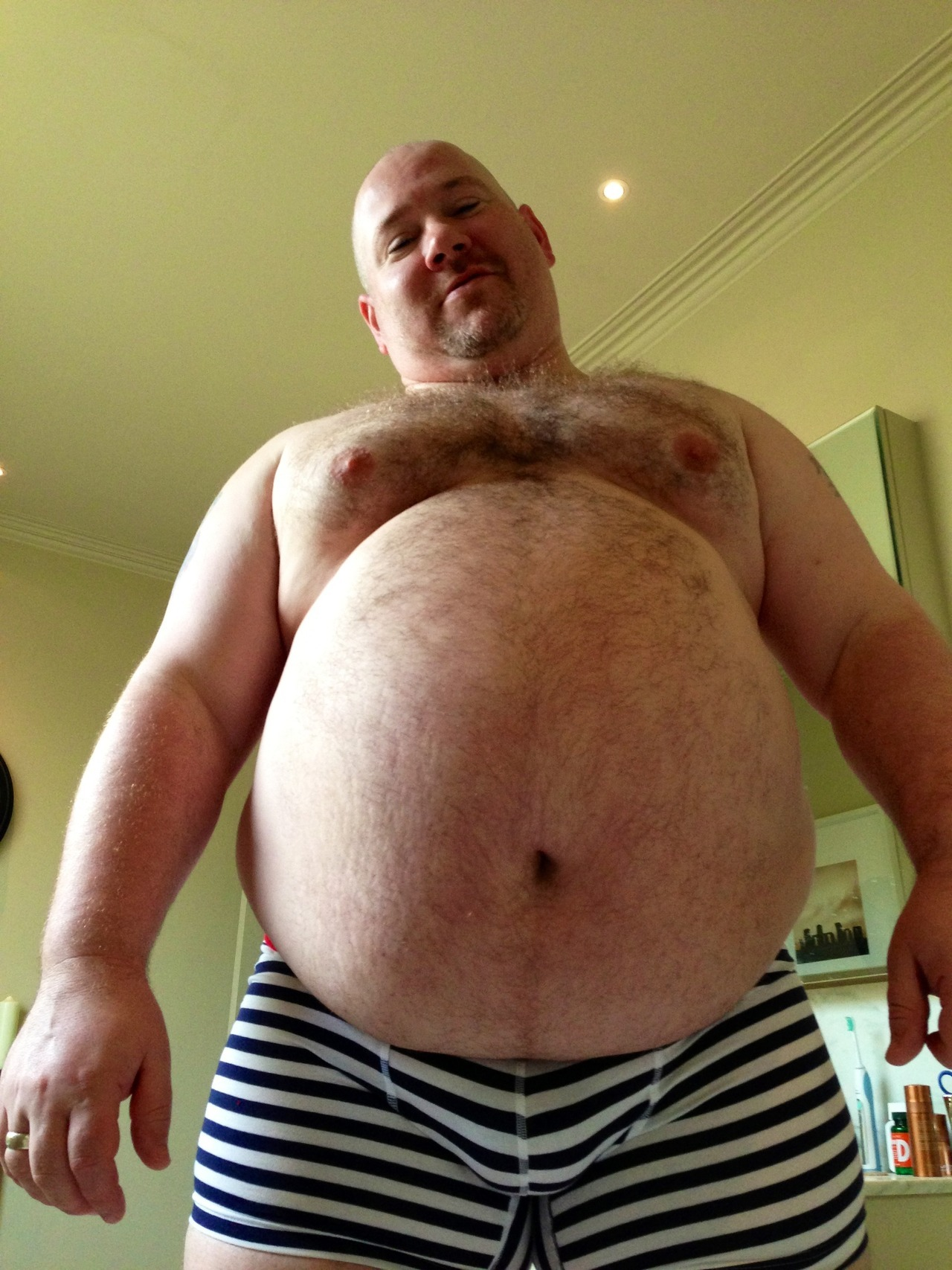 chubbyaddiction:  tugboatmen:  My Hubby :-)  OMG, what a hotness explosion…   Oh heaven