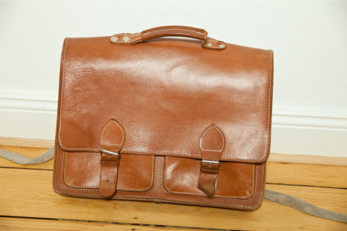 I am selling my very old leather school bag from 1990 on eBay.