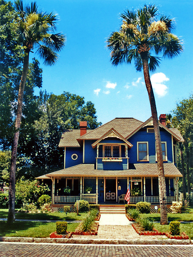 travelingcolors:  Higgins House and palm trees, Sanford | Florida (by Steven Martin)
