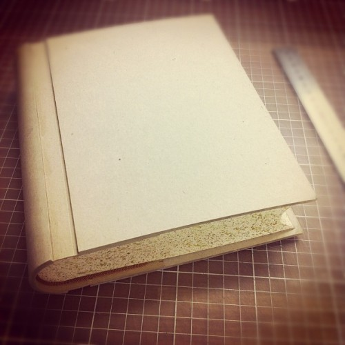 Soon you are finished, you complicated thing! #book #bookbinding #wip #handmade #diy  (at Leksands Folkhögskola)