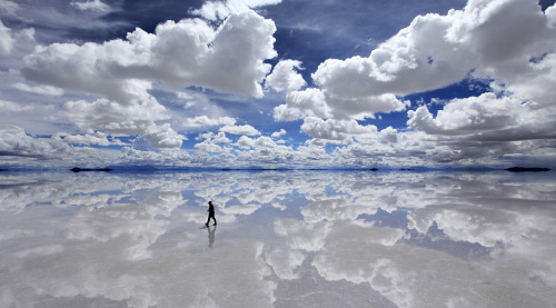"""Reflection of the sky on Salar de Uyuni, the largest mirror in the world after it has rained"""
