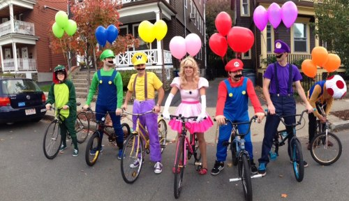 Mario Cycle: Battle Mode Calling all officers: a group of dangerous bikers have been seen in the area, mutilating turtles and littering banana peels.