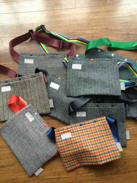 (via Harris Tweed Musette | Raiment Cycling Clothing) Just like the seat cover we posted earlier, Harris Tweed of England lends their name to bristol based il Soigneur's line of beatufully crafted and sewn tweed musettes. Raiment Vancouver has a full range of styles, contact us for more info Raiment.cc