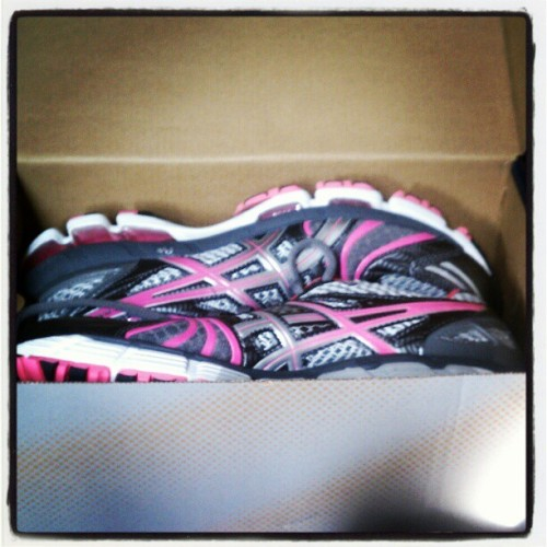Boyfriend brought home a little surprise! @asics #running shoes!!!! I'll take these over flowers any day. #love #FitIsTheNewBlack