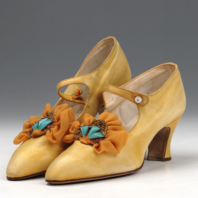 kittyinva:  thedapperbonnet:     Shoes: Bar Shoes (1920s) by Northampton Museums on Flickr.   Kittyinva: These are from the early twenties, given the Louis heels.