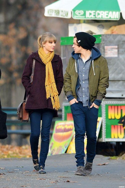 Tay Swift and Harry Styles were spotted strolling through Central Park yesterday. Do you think they would make a cute couple?