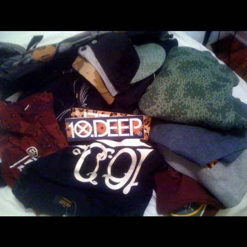 Shouts to Josh and the crew over @10deep for lacing me with dope gear for the holidays.  More news from that meeting coming soon.  #10dee-mehlow.