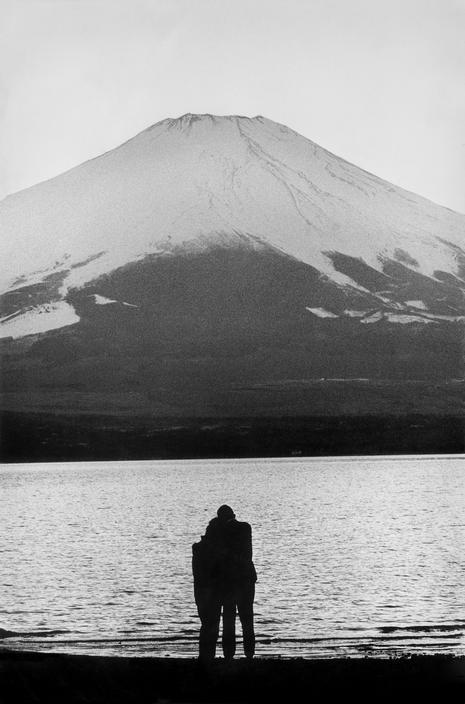 adanvc:   Japan. by Burt Glinn
