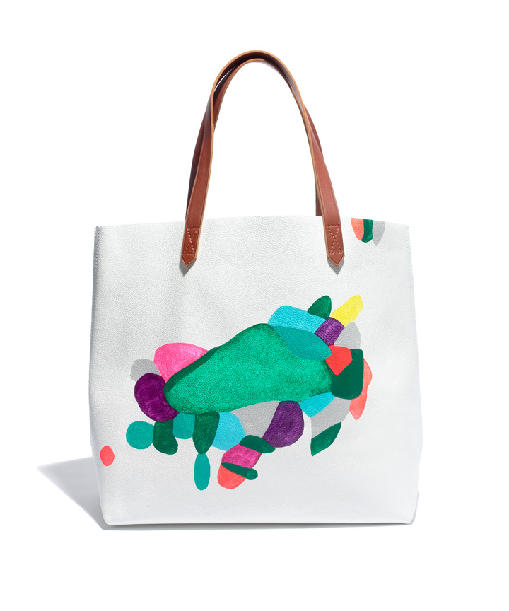 madewell:  Looking for a unique gift? We think our Transport Tote—hand painted by Brooklyn artist Rebeca Raney—is a great pick. Watch our interview with her here.