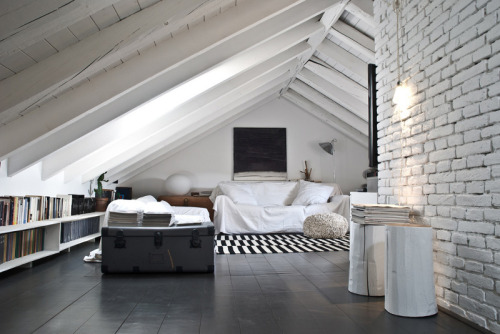 perfect attic living (via desire to inspire - Civico Quattro)