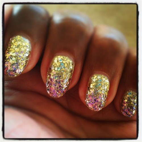 You can never have enough glitter. Especially when it's ombre. Butter London Trustafarian as the base, Sephora by OPI The Golden Age and Mauv-ie Star in the Making jewelry top coats.