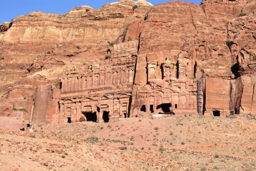 (via 10 Incredible Places Carved From Rock - Listverse)