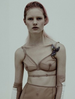 "pradaphne:  Hannah Holman in ""Naked Young Lady"", photographed by Karim Sadli for Dazed & Confused May 2010."