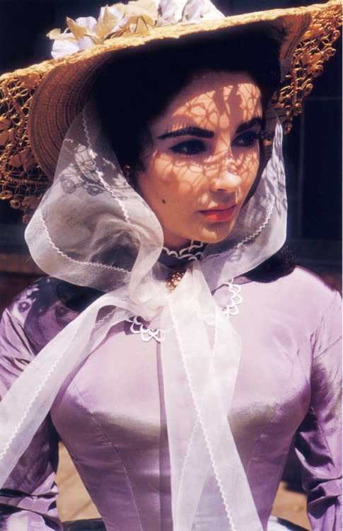 vintagegal:  Elizabeth Taylor on the set of Raintree County (1957)