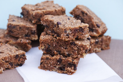 findvegan:  soft chewy banana chocolate chip chia blondie bars