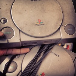 #DumbThrowback #PsOne lol 👾🎮👾👾👾👾