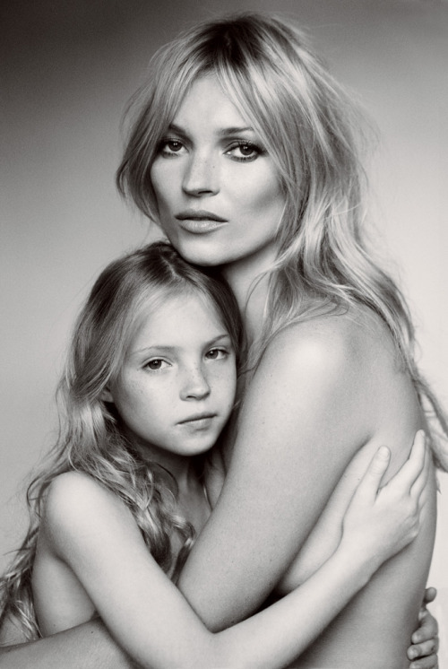 electric-reality:  Lila Moss and Kate Moss for Vogue US - September 2011 - photographed by Mario Testino