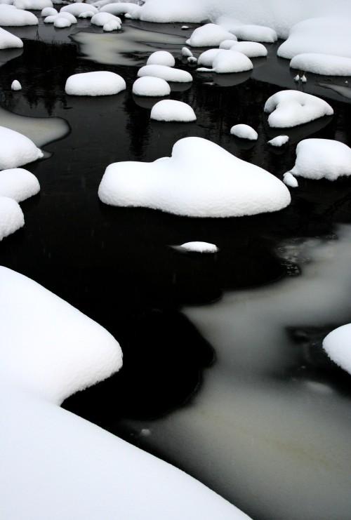 0rient-express:  cold water (by johnivara).