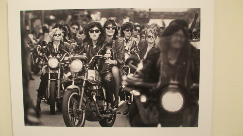 heyy-faggot:  Dykes on Bikes, Gay Freedom Day Parade, San Francisco, 1986. Photo by Thomas Alleman.