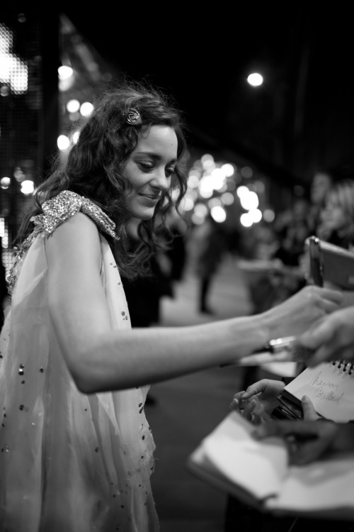 Marion Cotillard at the BAFTAS 2008 by Greg Williams