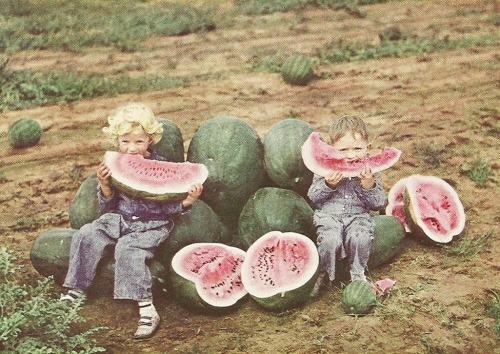 vintagenatgeographic:  Kids in Clovis, New Mexico National Geographic | May 1938