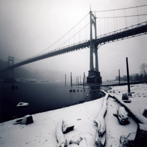 devexity:  St Johns Bridge, snow, 45 seconds by Zeb Andrews on Flickr.