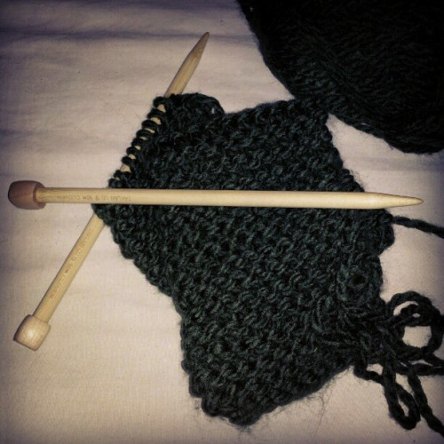My new bamboo knitting needles. I'm way too excited for this hahaa. #craft #handmade #knit #likeaboss #awesome #headband?