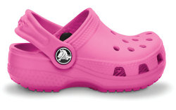 crocs4fashion:  Omg crocs for babies :D When I have kids I'll only let then wear crocs!!