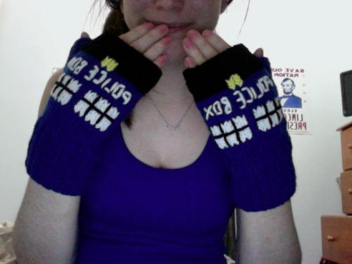 gabydunn:  WHAT'S THAT. I HAVE TARDIS GLOVES. WHO WANTS TO BE SEEN IN PUBLIC WITH ME NOW?