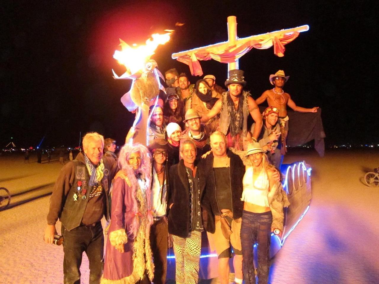 fuckyeahburningman:  Viking ship Helga and her crew.