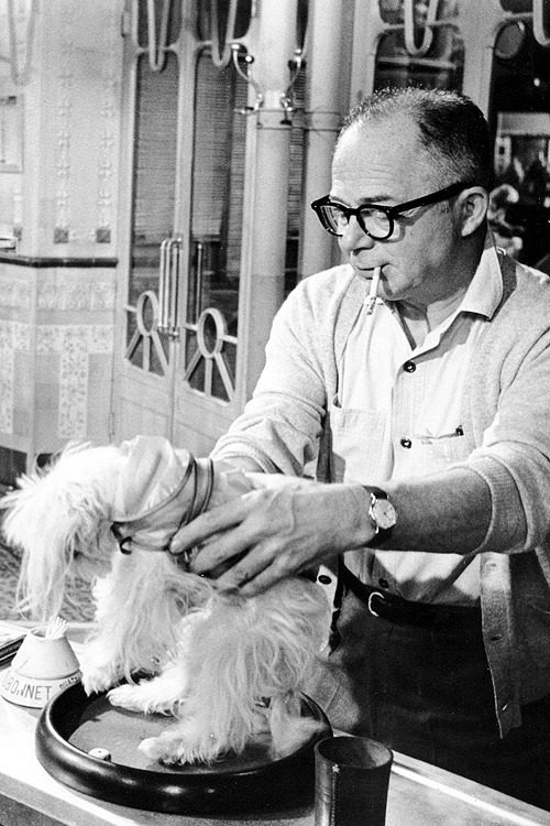 Billy Wilder on the set of 'Irma La Douce', 1963. Previously on Cinephilia & Beyond: Billy Wilder Speaks is the work of German director Volker Schlöndorff, who in 1989 had already known Wilder for twenty-five years. Playboy Interview: Billy Wilder (June 1963) A rare interview with Billy Wilder Billy Wilder, The Art of Screenwriting Amazing stories about Billy Wilder Billy Wilder's 'The Private Life of Sherlock Holmes'