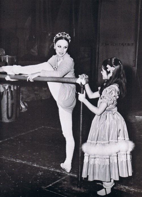 fuckyesballet:  theballetblog: Patricia McBride warming up backstage for The Nutcracker