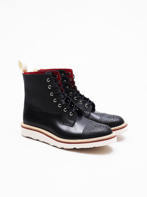 lacon-con-grelos:   Trickers x Present • Two Tone Superboot Black