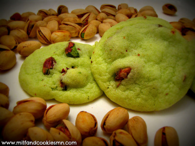 myfoodscrapbook:    Salt & Pepper Pistachio Pudding Cookies by Author Erica Rivera on Flickr.      salt in cookies i can understand (a little salt enhances sweet flavors)  but pepper? salt and pepper? and pistachios on top of that? these are basically big soft chips.