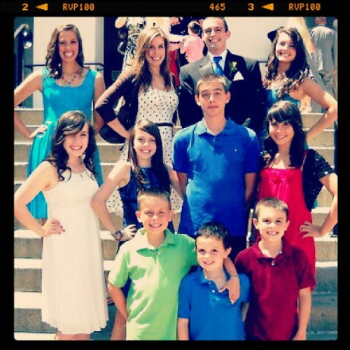 11 siblings. 6 girls. 5 boys. One voice. #family #Cimorelli @Cimorelliband @LisaCim