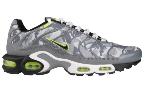 News: Nike Tuned 1 (Air Max Plus) - Winter CamoThe prints on sneakers are finally coming to Nike Tuned 1, with a camo print and gray colorway with…View Postshared via WordPress.com
