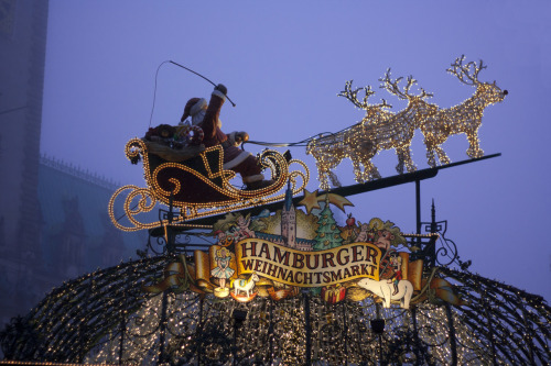 Weihnachtsmarkt in Hamburg, Germany. If you have the opportunity to visit the Weihnachtsmarkt in Hamburg these days, do not hasitate. It worth it :)