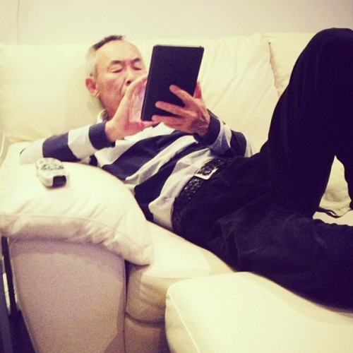 Dad's got all that #apple class #dad #lol #ipad #hello #bored #instagood  (at Siew's BUNGALOOOOOOW)