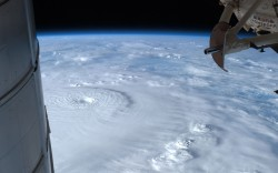 inothernews:  THE WRETCHED WIND  Typhoon Bopha, with 160 mile-per-hour winds, is seen swirling over the southeastern Phillippines from the International Space Station.  At least 40 people were reported dead or missing.  (Photo: Kevin Ford / NASA via The Telegraph)