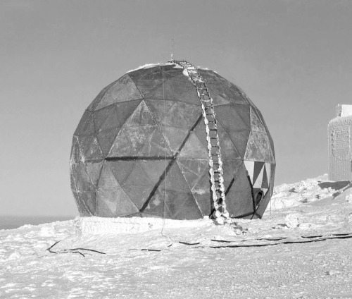 design-voyager:  Buckminster Fuller and MIT Lincoln Laboratory's Prototype for the First Rigid Radome, tested in the arctic conditions on top of Mount Washington (New Hampshire), 1952 via architectureofdoom