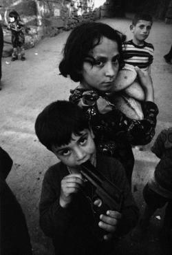 fotojournalismus:  Ankara, Turkey, 1970. [Credit : Ara Güler]  Surprising, and thought provoking photograph. Very intense