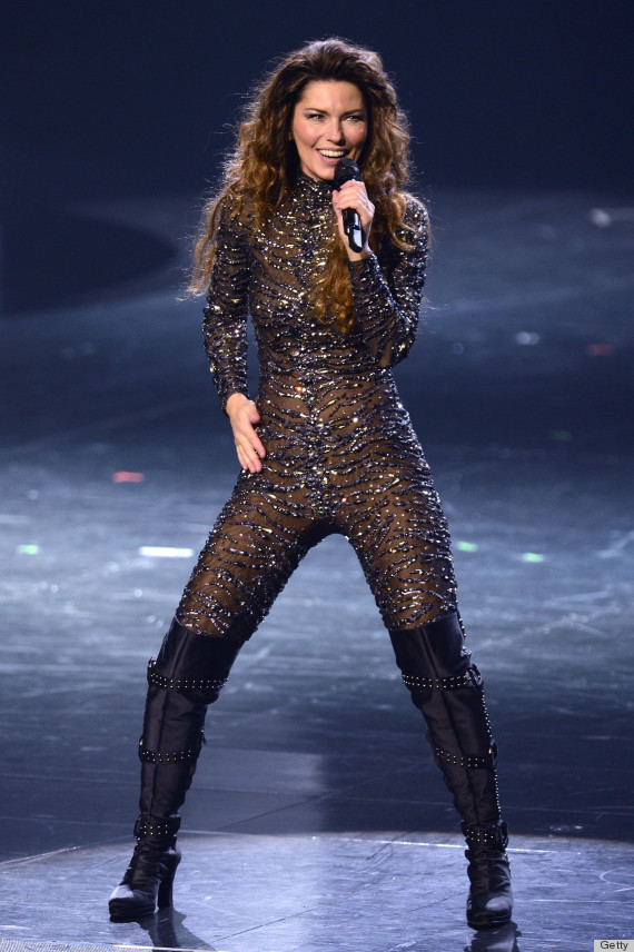 "Shania Twain Catsuit: Country Singer Stuns in Tight, Bejeweled Bodysuit Flaunted at Las Vegas Residency Concert Debut [PHOTOS] At 47-years-old, popular country singer Shania Twain still knows how to rock it! The ""That Don't Impress Me Much"" songstress made her comeback concert debut at Las Vegas' infamous Caesars Palace on Sunday (Dec. 2), and the brunette beauty stunned the crowd in a tight-fitting, bejeweled black catsuit. Not only did Twain kick off a phenomenal Las Vegas residency, but the ""Man! I Feel Like a Woman"" star looked absolutely amazing flaunting the curve-hugging bodysuit. Looks like Twain is officially back (and in style)! Read more at Mstarz"