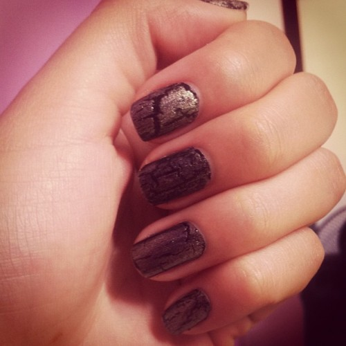 #nailart #nails #crack #gold #black