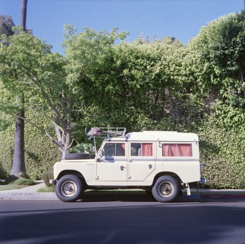 carsontheside:  Land Rover Defender on Venice Blvd