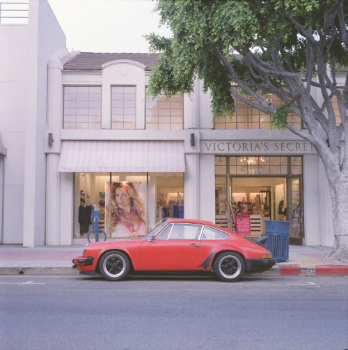 carsontheside:  Porsche 911 on Westwood Blvd