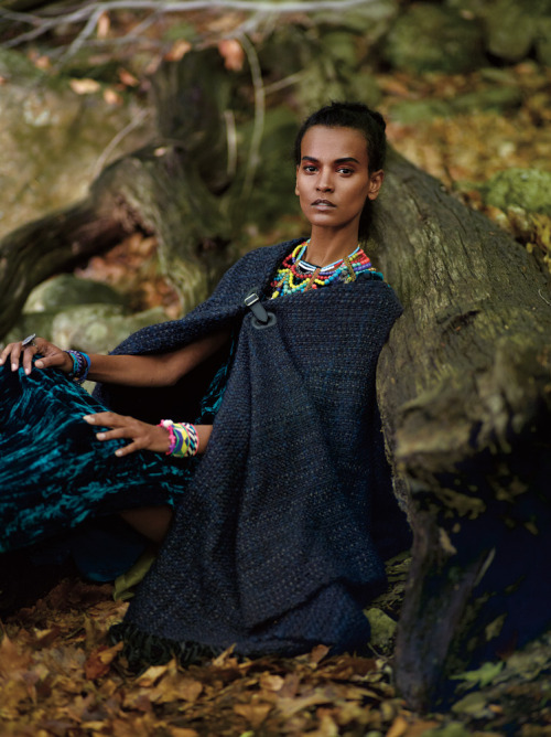 tmagazine:  Liya Kebede shares her gift list (to give and to get) in our latest Giving Spree. http://nyti.ms/YwBEjA (Photo: Cass Bird)