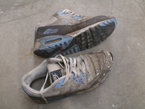 jockjizz:  Found the painter's nasty, ripe nikes after he left. Gonna have a wild night with them - plan to wear them clubbing….then back home for deep sneaker sniffing, sucking and finally load each one up!