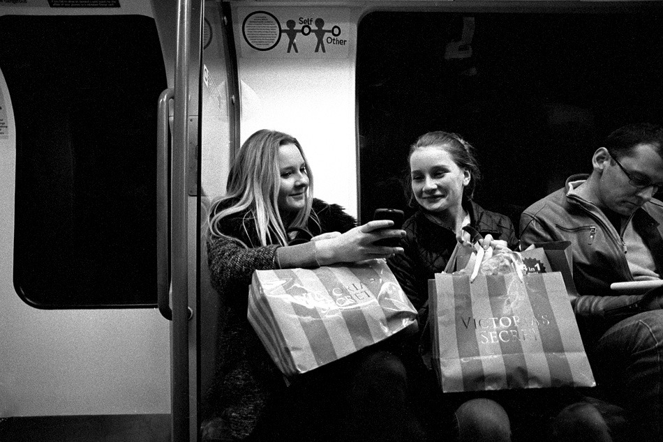 Sharing Victoria's secret? London, November, 2012. F3+20mm+Neopan 1600