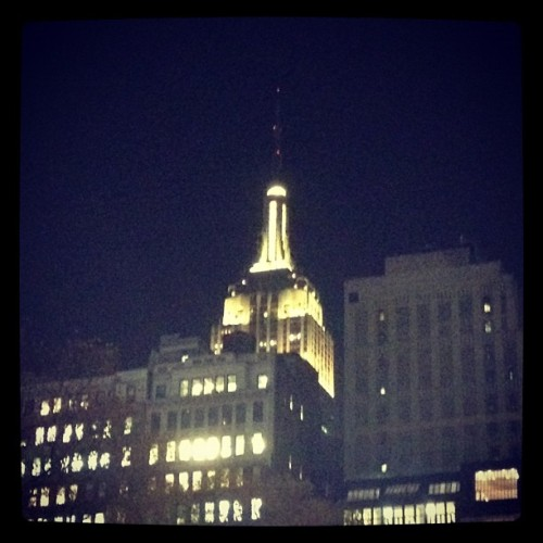 The Empire State Building in Lion King yellow! Great job @carenee!! #lionking #lionking #disney #theatre